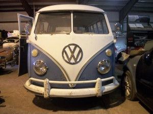 1967 VW van (blue white) Deluxe