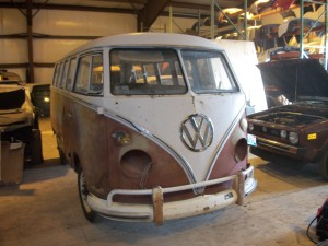 1966 VW van (red white) Deluxe